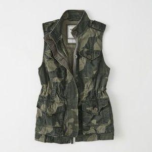 Abercrombie Camo Twill Vest